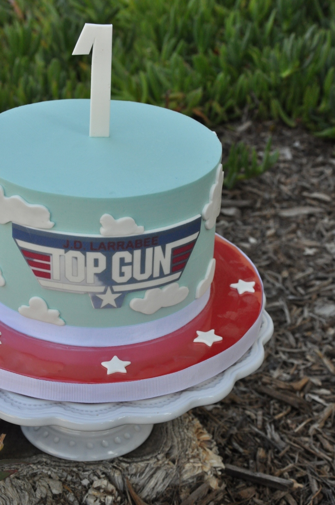 Best Cake Decorating Gun : baby shower ideas alternate on Pinterest Top Gun ...