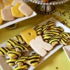 bumble-bee-cookies-black-yellow-desserts-sweet-cheeks-3