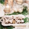 gingerbread-cookies-white-sparkle-gold-leaf-garrett-richardson-photo