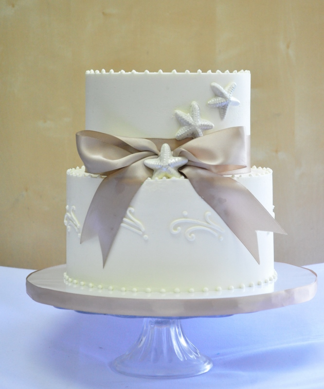 Simple Beach Wedding Ideas: Sweet Cheeks Baking Company