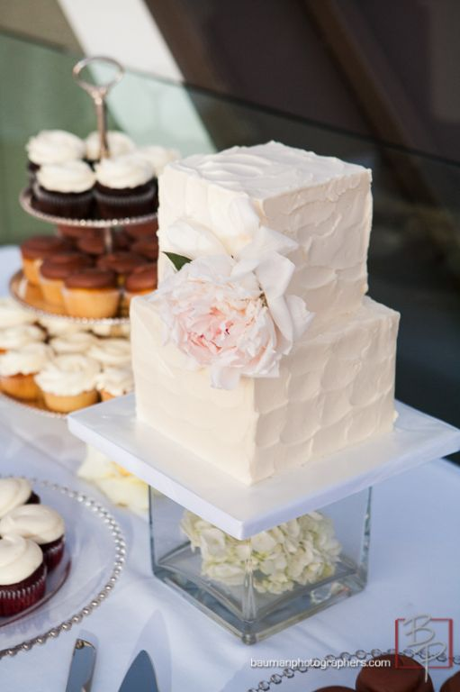 small square wedding cake pictures wedding cake gallery sweet cheeks baking company 20221