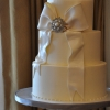 fondant-bow-with-brooch-elegant-wedding-cake-sweet-cheeks-2-531x800