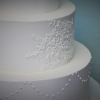 intense-lace-buttercream-detailed-wedding-cake-2