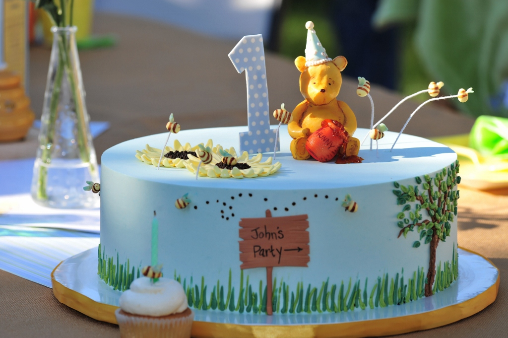 How To Make A Pooh Bear Cake