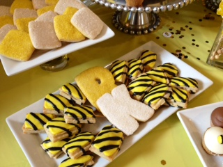 Bumble Bee cookies, black & yellow desserts, Sweet Cheeks (3)
