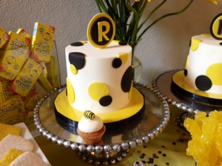 Bumble Bee cookies, black & yellow desserts, Sweet Cheeks (4)