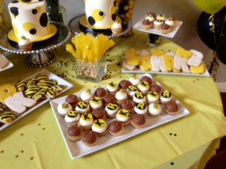 Bumble Bee cookies, black & yellow desserts, Sweet Cheeks (6)