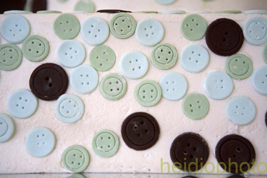 Button cake detail
