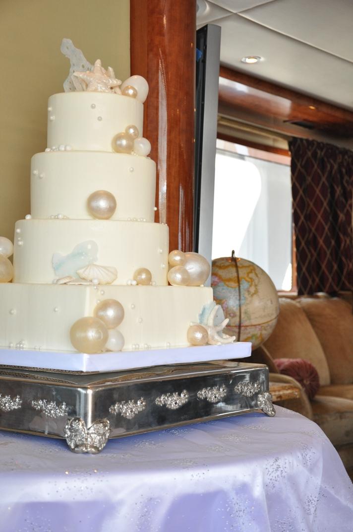blown bubble-sugar-cake