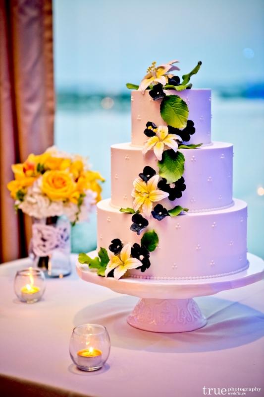 cascade-of-sugar-flowers-swiss-dot-wedding-cake-sweet-cheeks-533x800