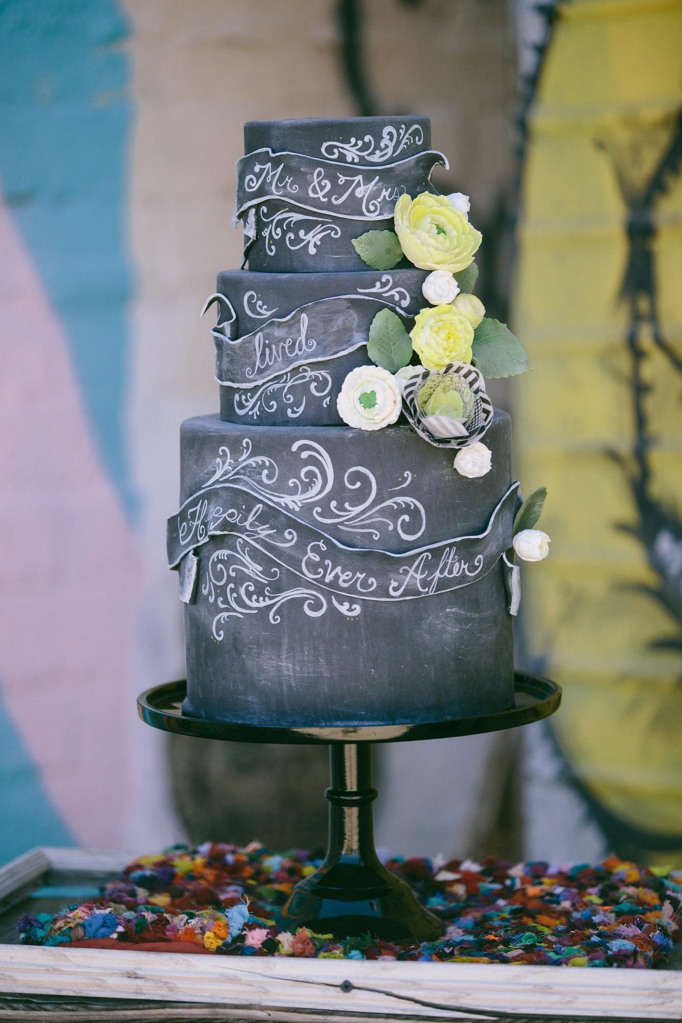 chalkboard-style-cake-with-sugar-wafer-flowers-sweet-cheeks-baking-websize-taylor-abeel-photo_0