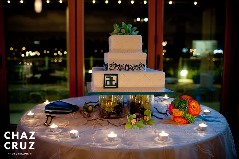 chinese-turquoise-details-on-quilted-wedding-cake-chaz-cruz-photo-2