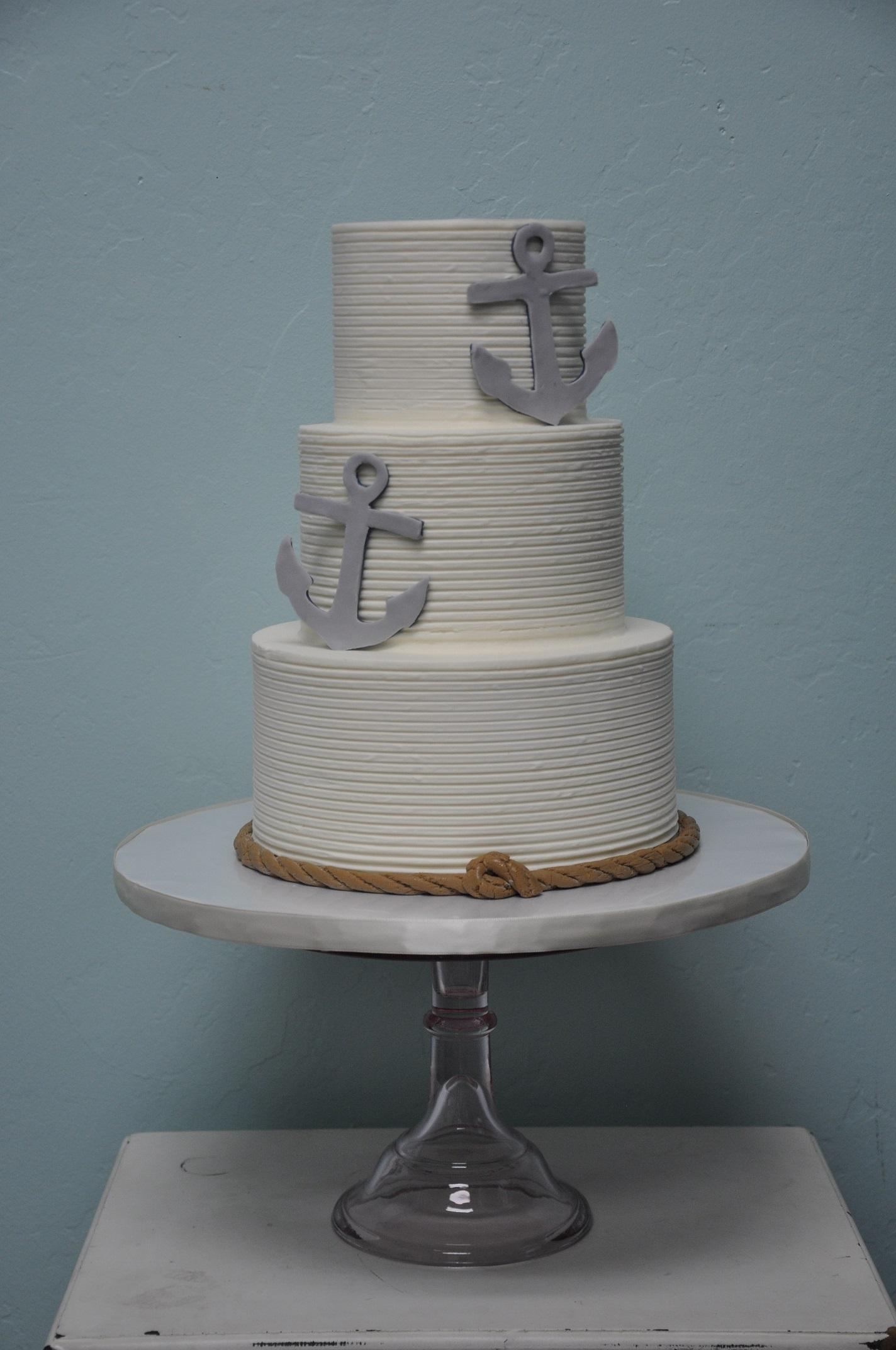 combed-nautical-theme-wedding-cake-edible-anchors-rope