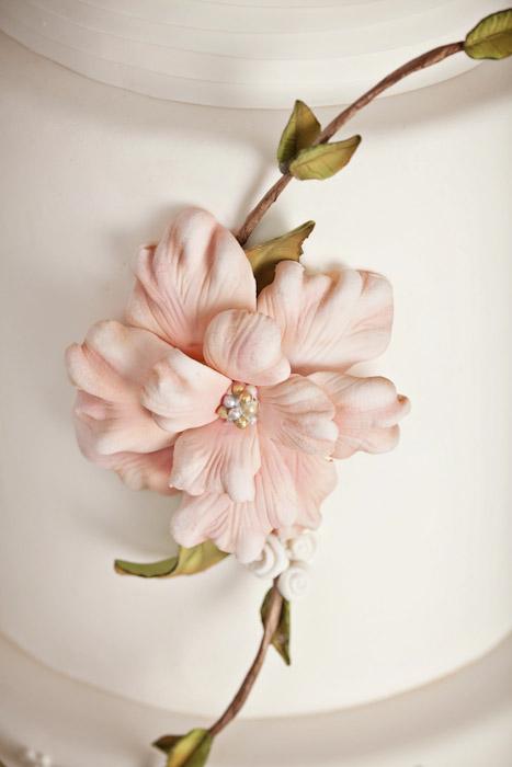 custom-sugar-flower-sweet-cheeks-baking-siegel-thurston-photo