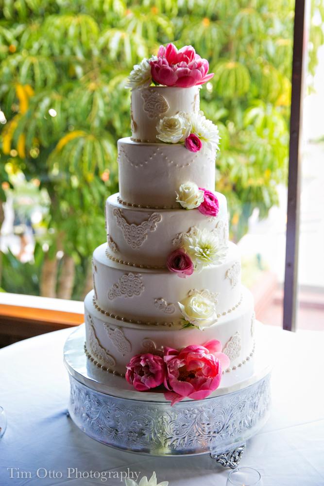 elegant-lace-wedding-cake-sweet-cheeks-tim-otto-photography-at-hotel-del-coronado