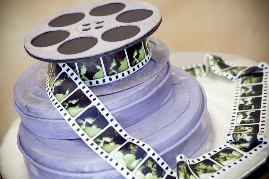 elle-g-photography-film-reels-popcorn-cake-28