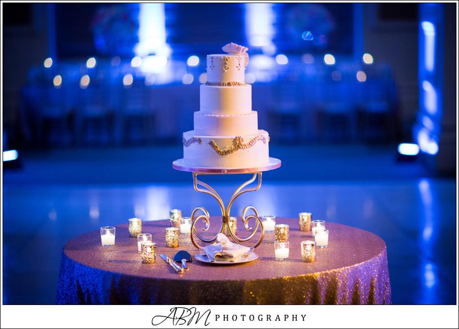 fancy-wedding-cake-gold-ivory-pale-blush-by-sweet-cheeks-baking-at-us-grant-abm-photo