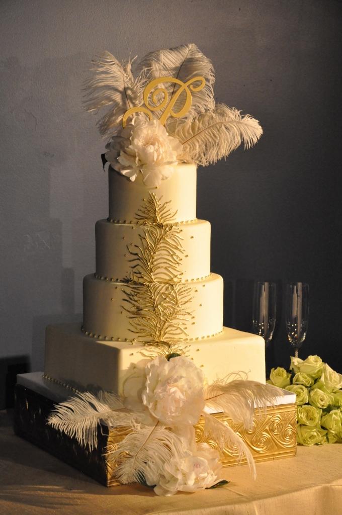 feather-cake-us-grant-isari-floral-studio