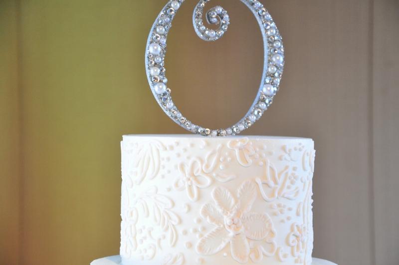 fine-scrollwork-cake-blush-3-800x531