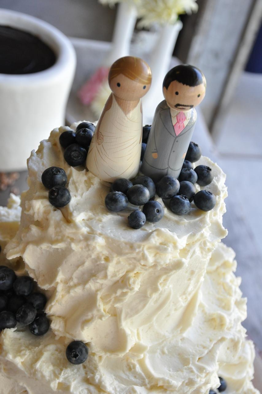 fluff-cake-topper