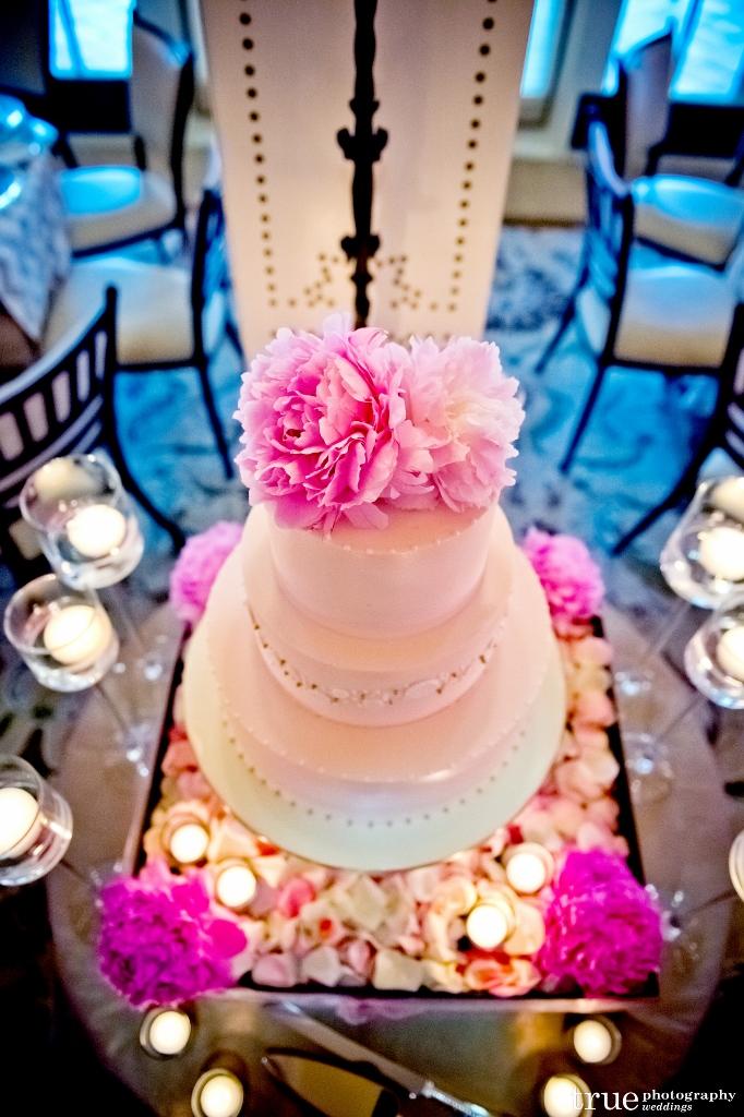 fresh-peony-wedding-cake-sweet-cheeks-baking-chevron-pattern-buttons-682x1024