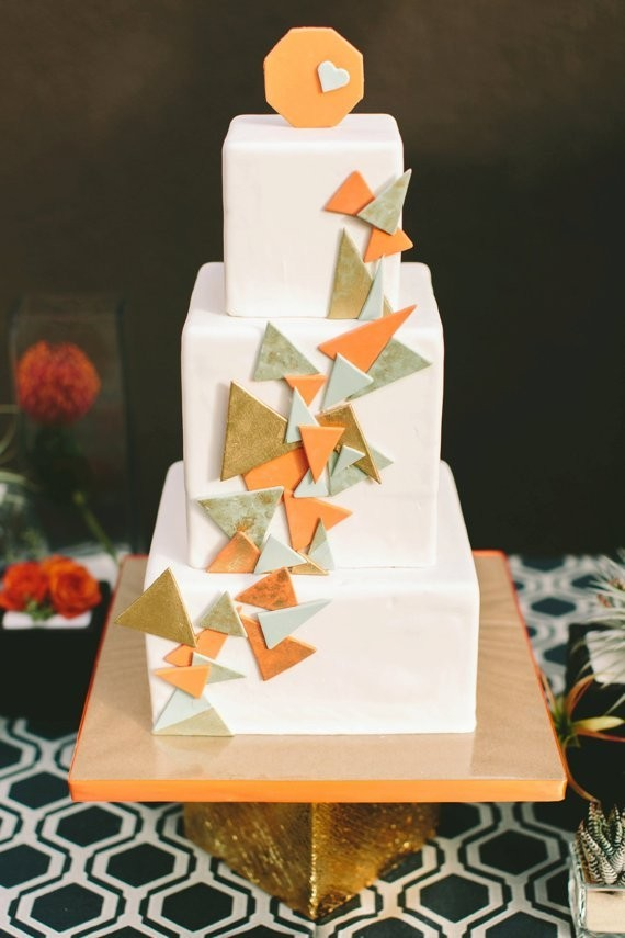 geometric-cake-design-by-sweet-cheeks-baking-close-up-featured-inn-100-layer-cake-plus-oak-photo