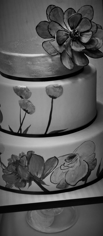 gold-aqua-cake-hand-painted-flowers-xl-sugar-flower-2