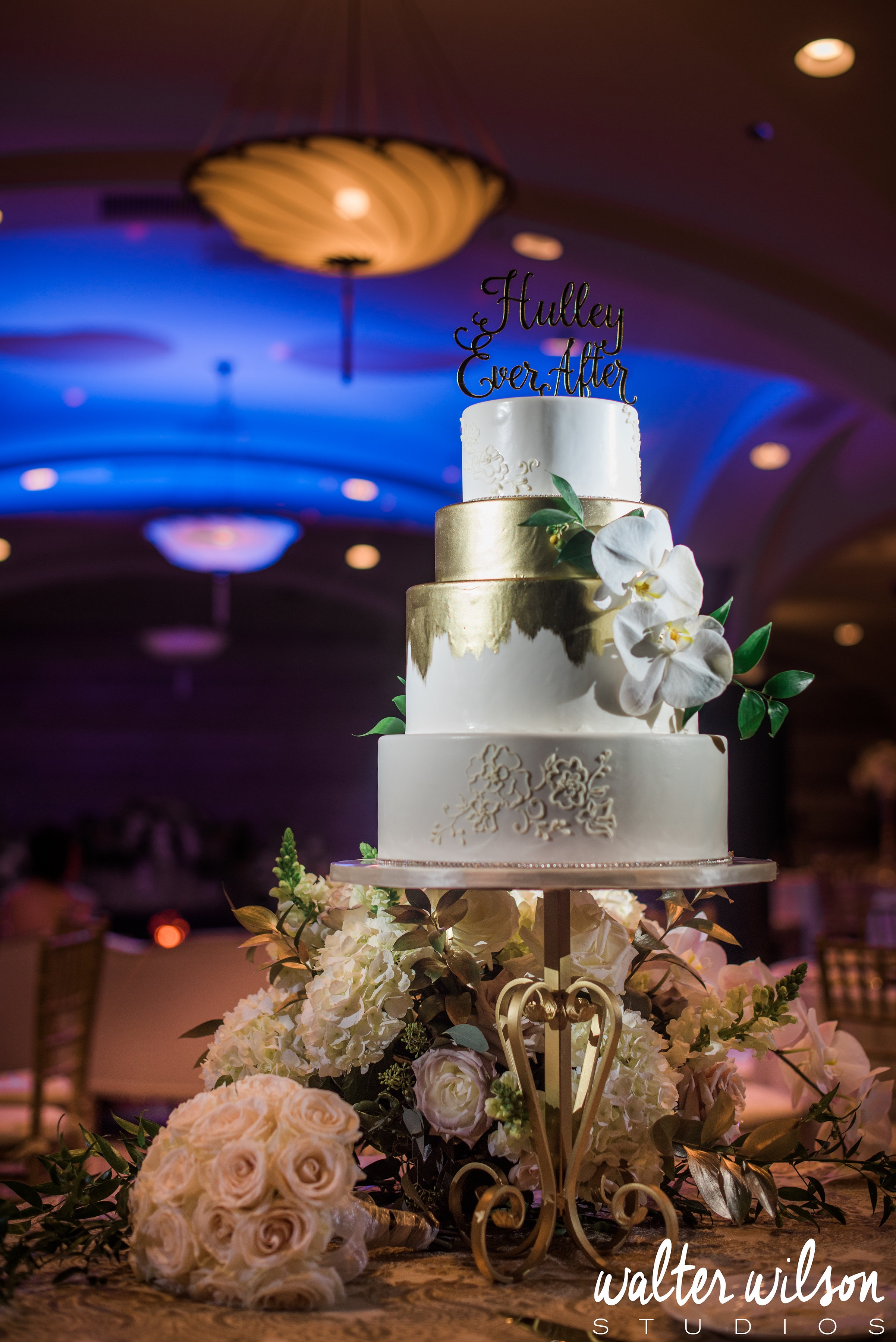 gold-white-wedding-for-hulleys-by-sweet-cheeks-walter-wilson-studios-photo