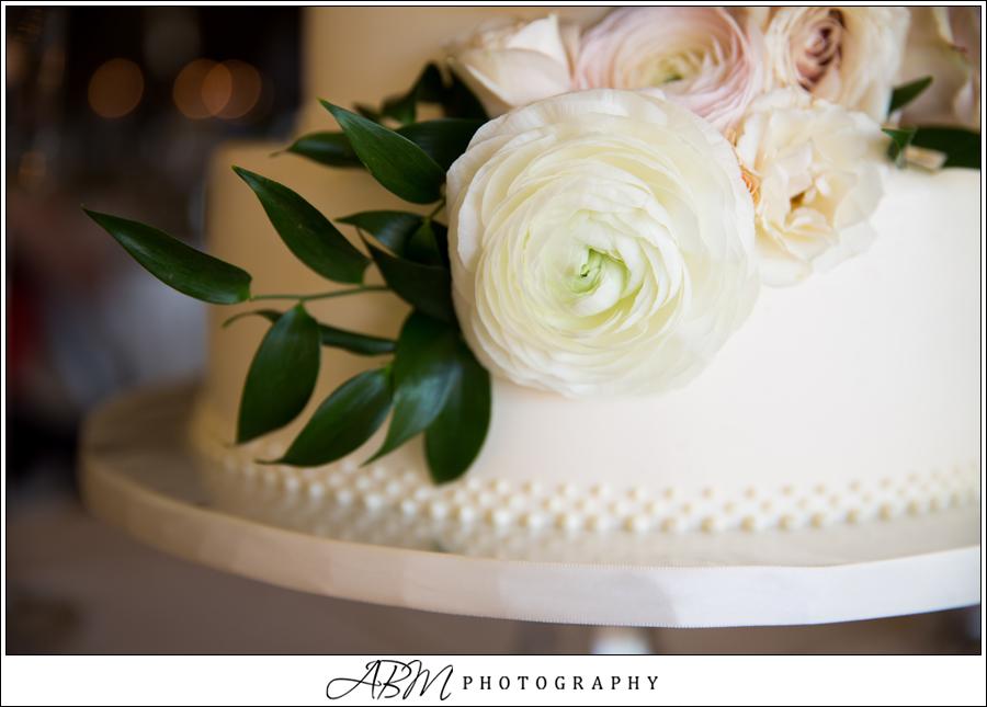 graduated-pearling-wedding-cake-closeup-by-sweet-cheeks-baking-co-wyatt-wedding-abm-photography