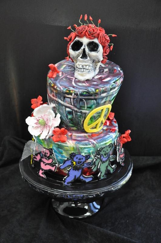grateful-dead-wedding-cake-with-skull-topper-sweet-cheeks-531x800