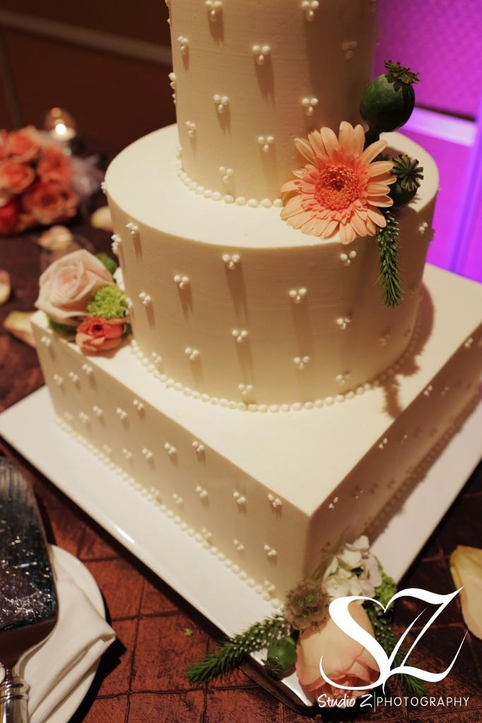 hidden-mickey-wedding-cake-sweet-cheeks-baking-studio-z-photo