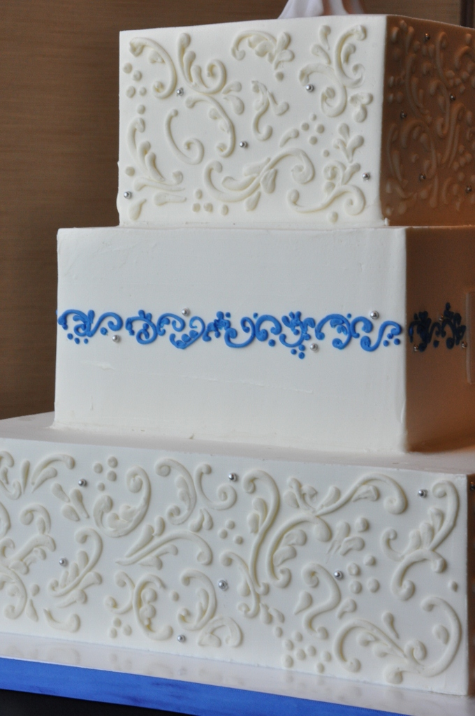 ivory-and-blue-scroll-bahia