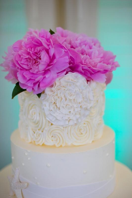 ocean-inspired-wedding-cake-sweet-cheeks-baking-at-la-costa-carroll-gabrielli-photo-crown-weddings-533x800