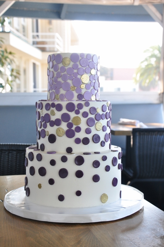 ombre-purple-dots-with-gold-cake-at-brocton-6-531x800