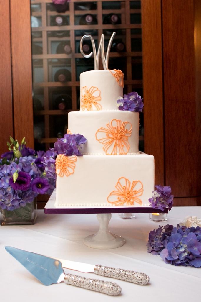 orange-purple-flower-wedding-cake-sweet-cheeks-baking-laura-christin-photography