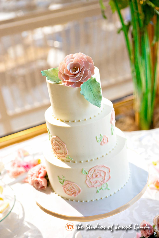 painted-butter-cream-rose-wedding-cake-sweet-cheeks-photo-by-joseph-guidi-at-humphreys