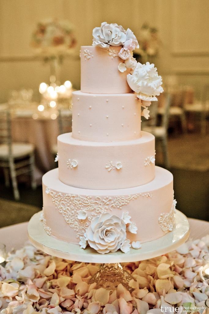 pale-blush-wedding-cake-sweet-cheeks-baking-co-true-photography-at-us-grant-683x1024