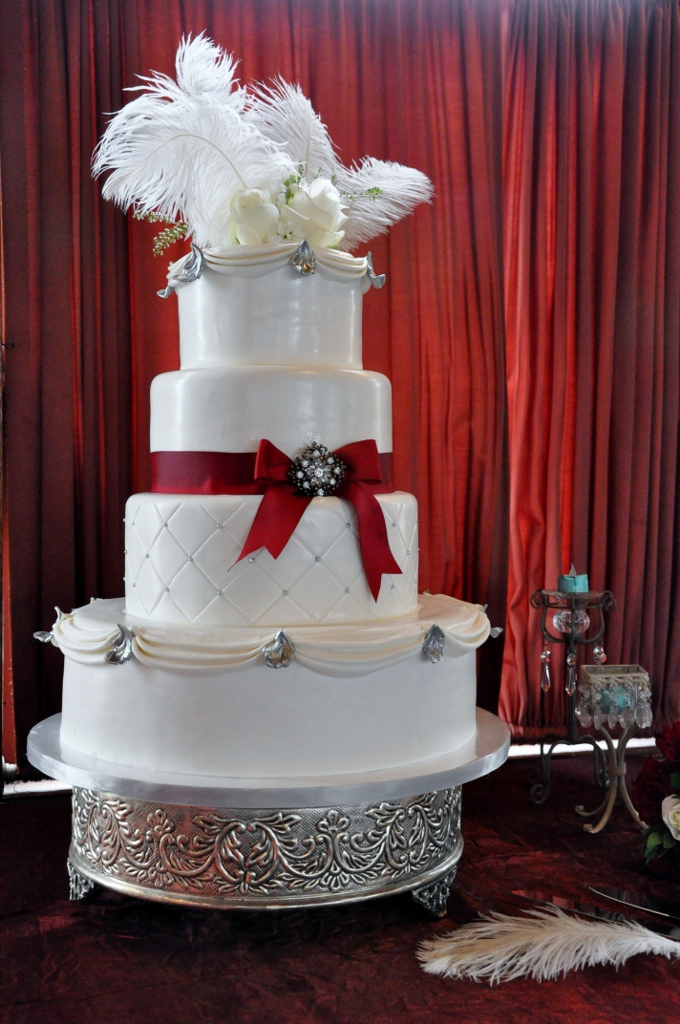 quilted-cake-with-feathers