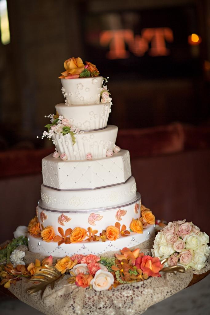 rancho-santa-fe-7-tier-wedding-cake-john-riedy-photography-683x1024_0