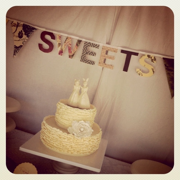 ruffle-cake-vintage