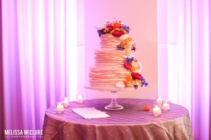 ruffle-wedding-cake-by-sweet-cheeks-baking-co-melissa-mcclure-photography-at-paradise-pt