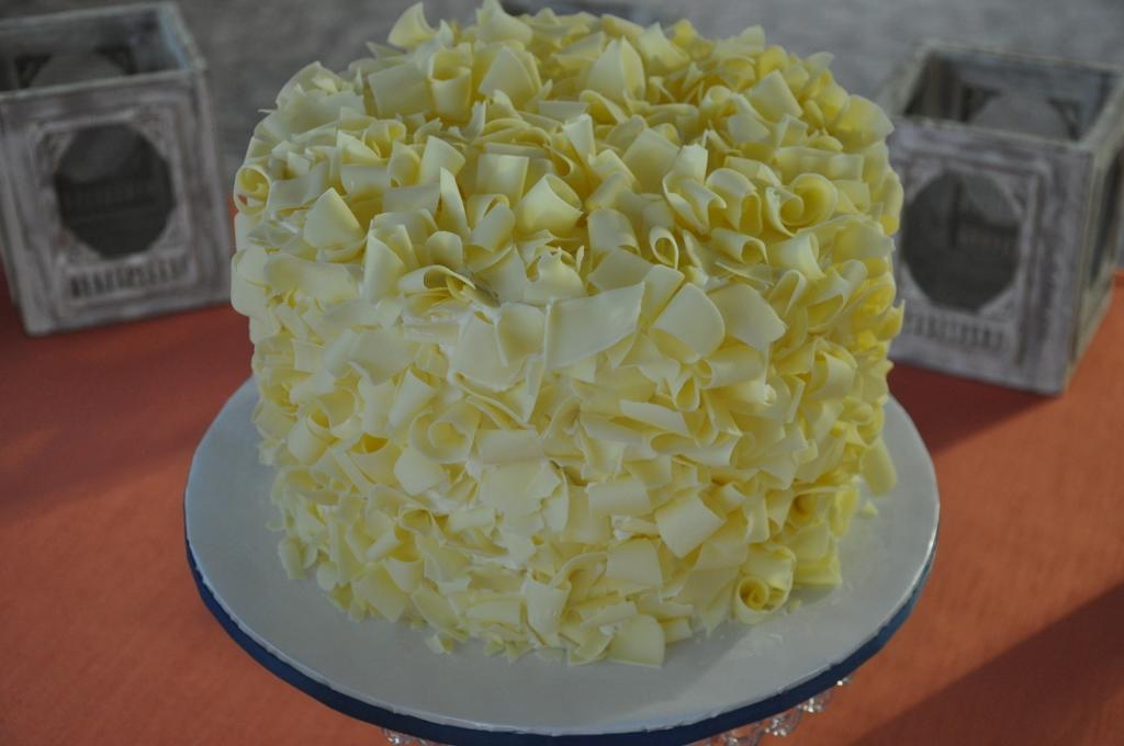 shaved-white-chocolate-cake