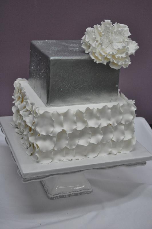 silver-white-wedding-cake-petals-giant-peony-sweet-cheeks-baking-co-531x800