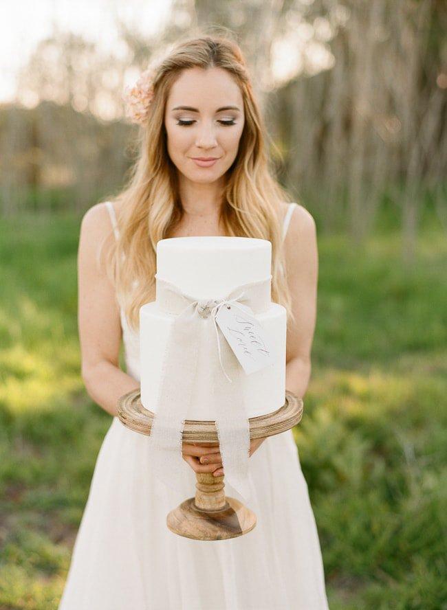 simple-clean-elegant-wedding-cake-sweet-cheeks-baking-co-blush-styled-wedding-shoot-acres-of-hope-photography