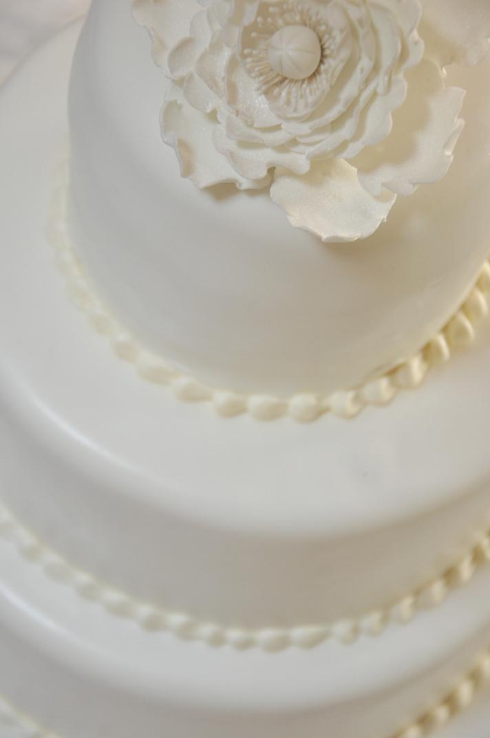 simple-peony-cake