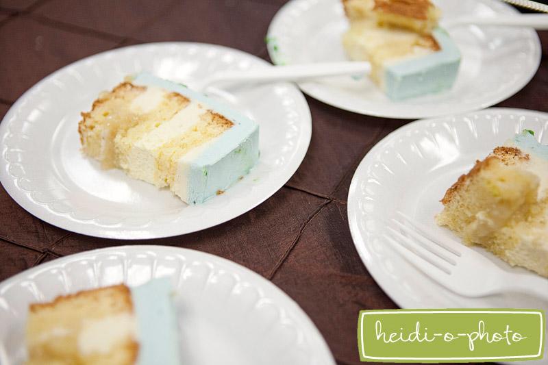 heidi-o-photo, sliced-wedding-cake