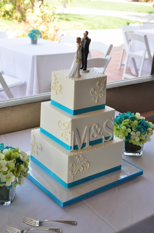 square wedding cakes with ribbon and flowers sweet cheeks gallery 20429