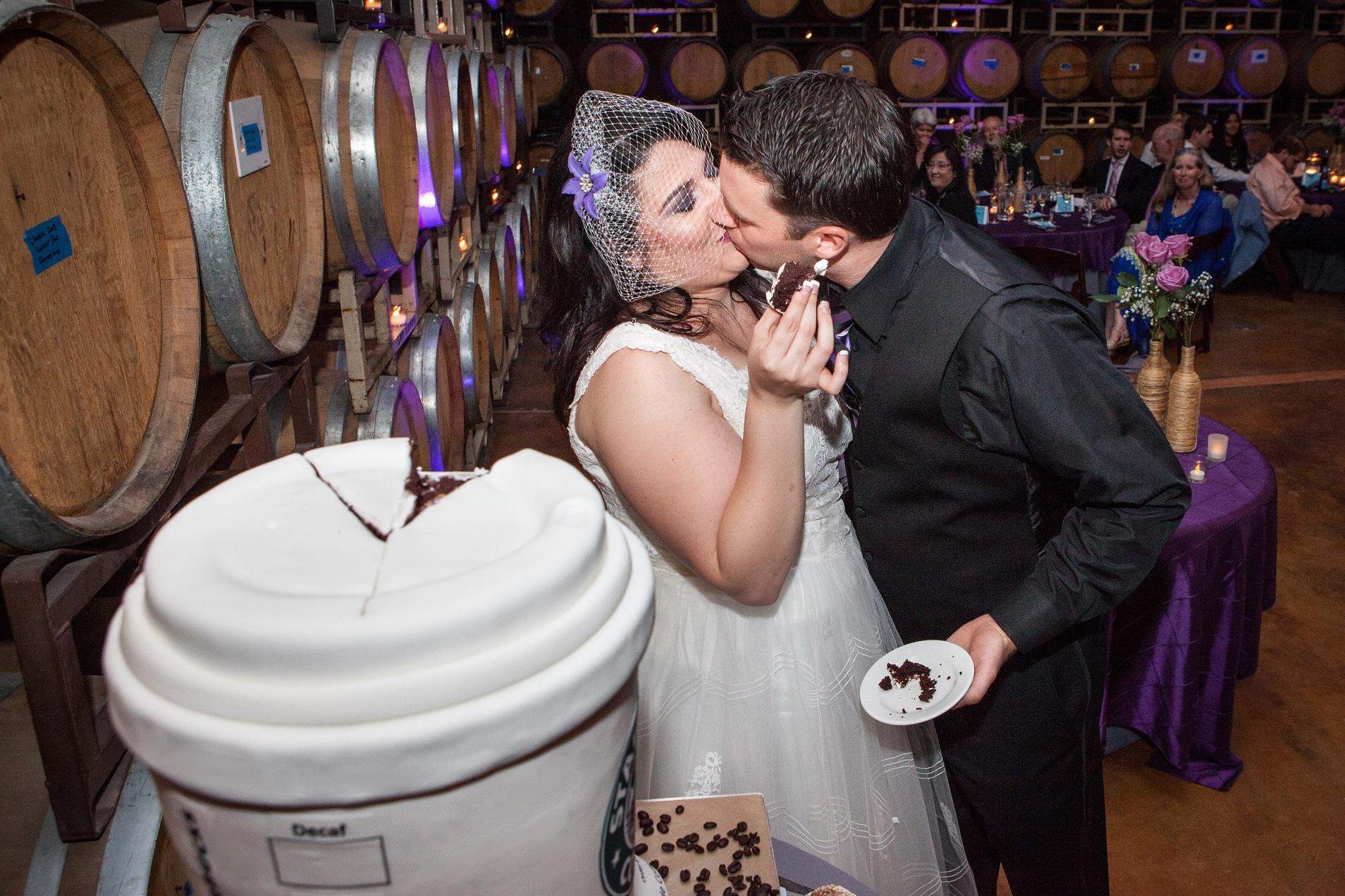 starbucks-coffee-cup-cake-cuttting-websize-marshall-wedding-photo-by-studio-512-copy