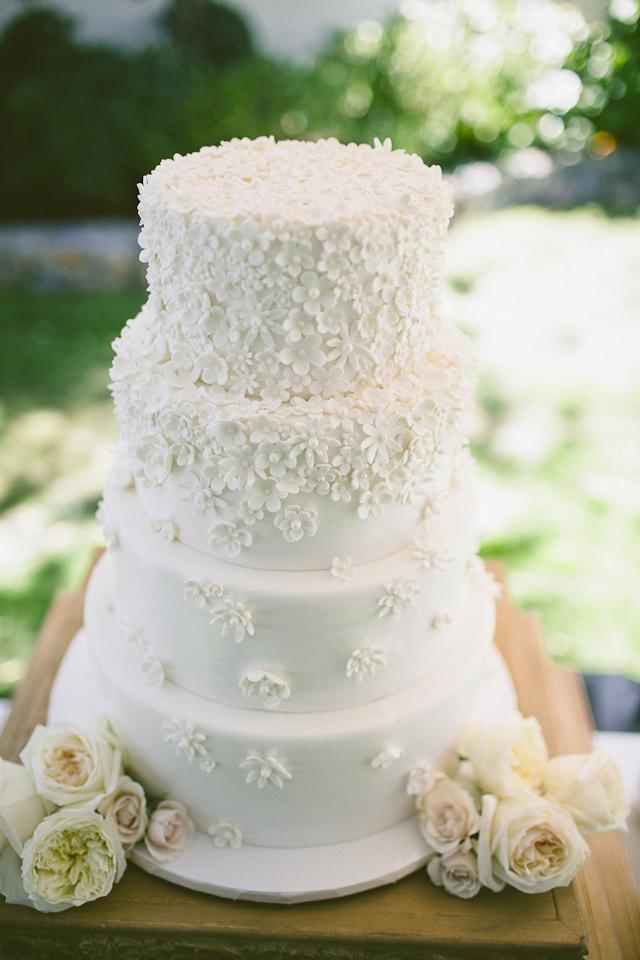 tiny-florets-wedding-cake-sweet-cheeks-baking-stone-crandell-photo