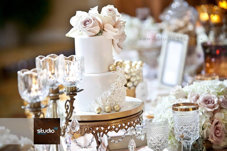 tiny-wedding-cake-sweet-cheeks-studio-512-photo